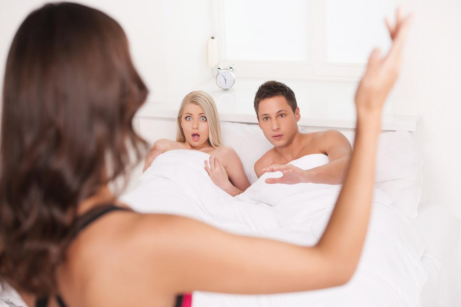 Рассказы выебал мужа и жену, Мою жену ебут в две щели Порно рассказы Измена 11 фотография
